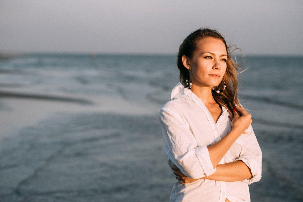 Фотография девушки у моря морская фотосессия