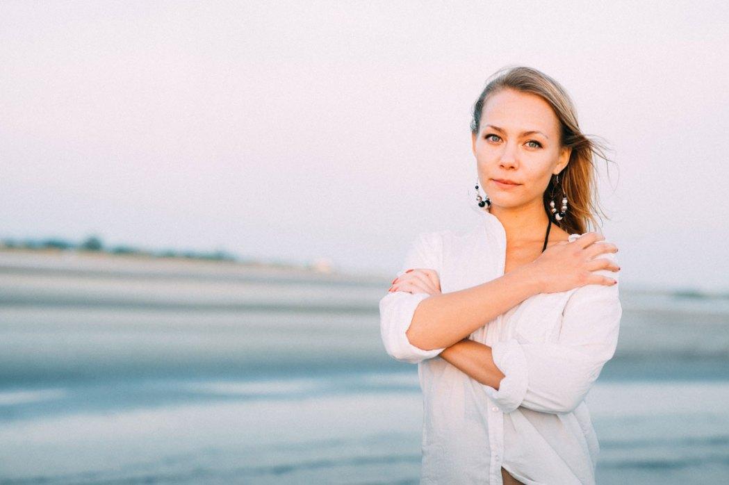 Портрет девушки у моря морская фотосессия