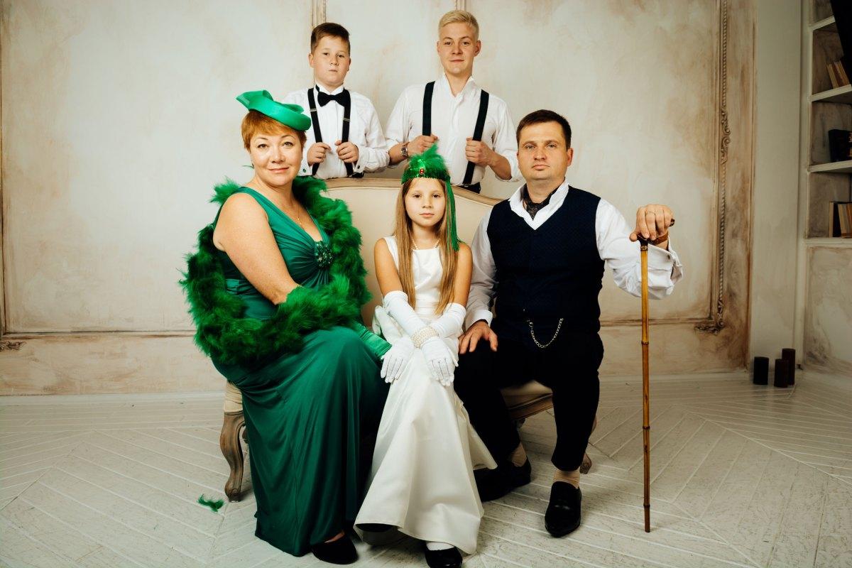 Одиночный портрет в стиле Гека Финна Семейная фотосессия в студии 98c58207fd286