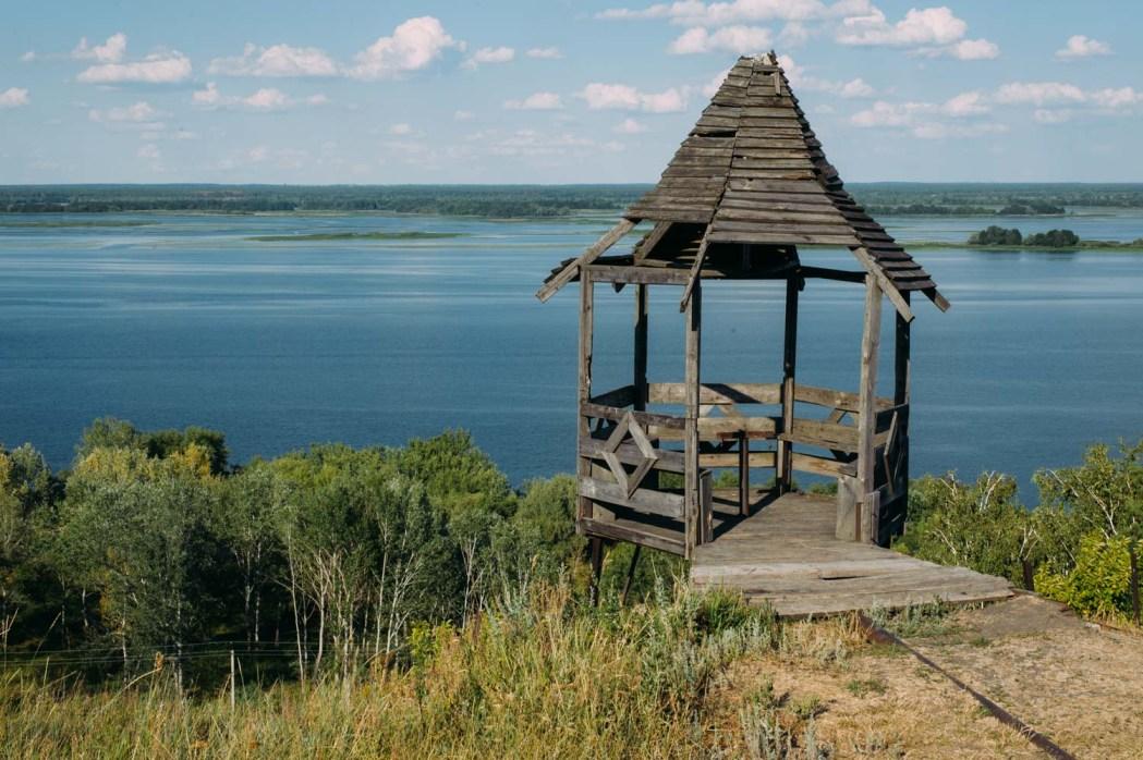 село Стайки, беседка над Днепром