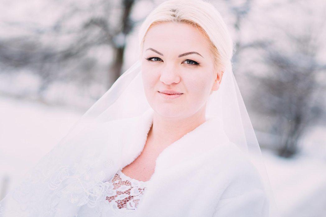 Фотосессия невесты зимой