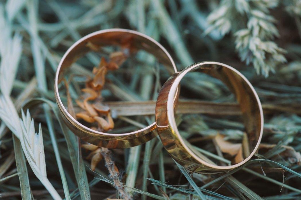 wedding photography wedding rings