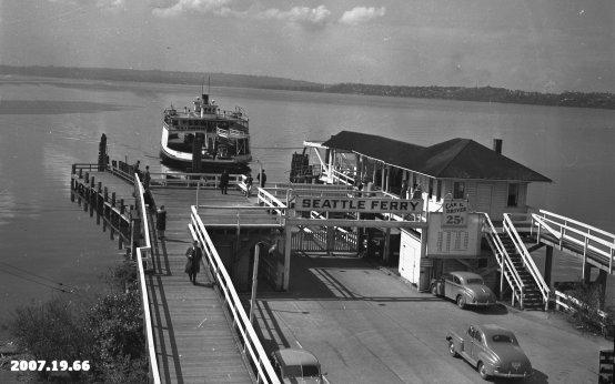 The ferry Leschi arriving at Kirkland dock