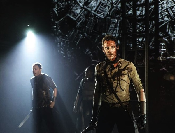 Tom Hiddleston Caius Martius Coriolanus Photo by Johan Persson 4