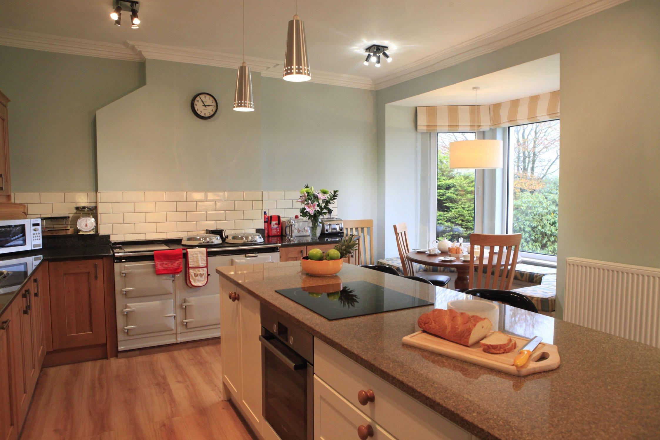 marble kitchen table set small dishwashers dalton green farmhouse (sleeps 10) - kirkwood real farm ...