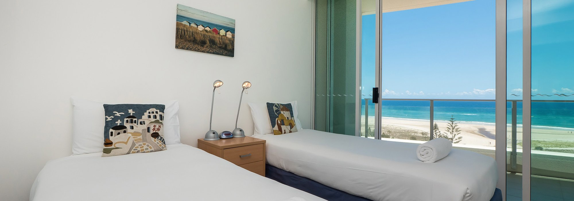 Accommodation Kirra Surf Apartments