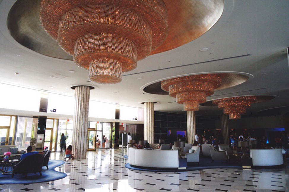 New School Luxury in an Old School Resort: Fontainebleau Miami