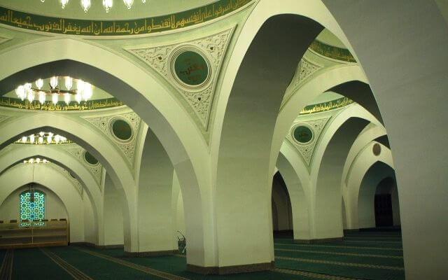 Masjid Quba Tampak Dalam