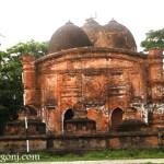 সাড়ে চার শ' বছরের পুরনো কুতুব শাহ মসজিদ