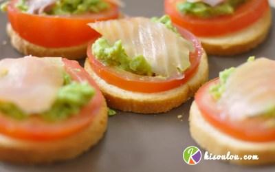 Savourez notre toast canapé au saumon fumé tomate avocat