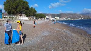 Beach cleaning Teloneio
