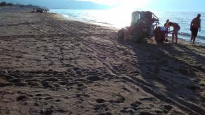 Two cars on Korfalonas beach!