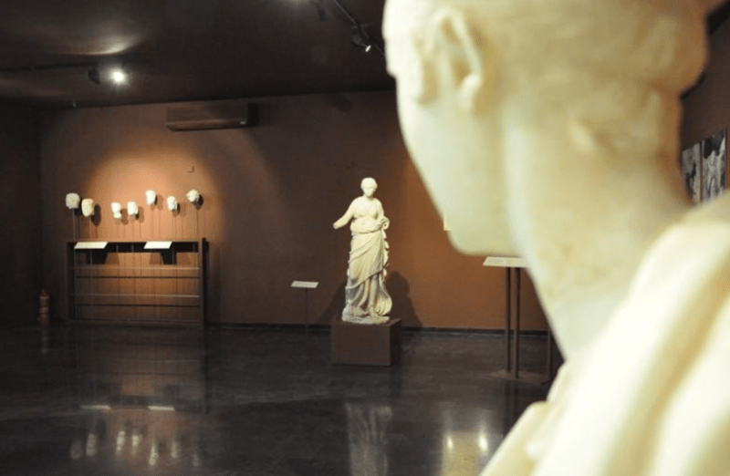 Free entry to archeological sites, museums and monuments