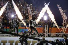 KISS på Dodgers Stadium i Los Angeles-09a4b1a9212a409499dfa398009c1952-11
