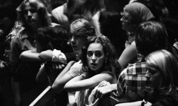 Kiss at Cow Palace, '77(12)