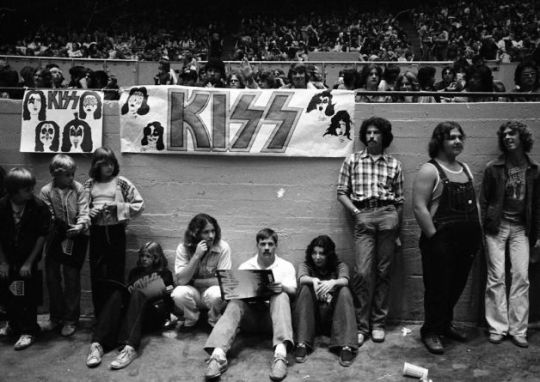 Kiss at Cow Palace, '77(19)