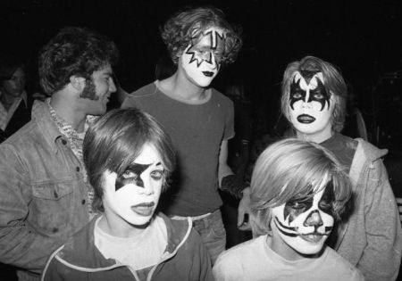 Kiss at Cow Palace, '77(20)