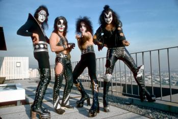 kiss-818-c-moa-jan-1975-los-angeles-jpg