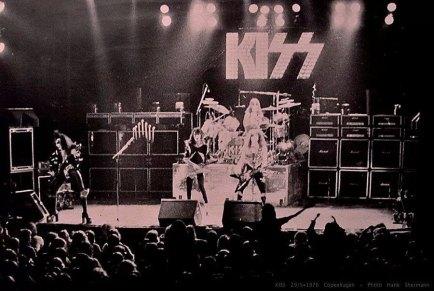 den-1976-7