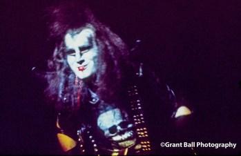 kiss 1974-3