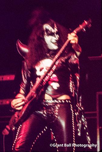 kiss 1974-7