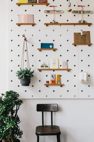 beautiful-diy-pegboard-wall-decorations