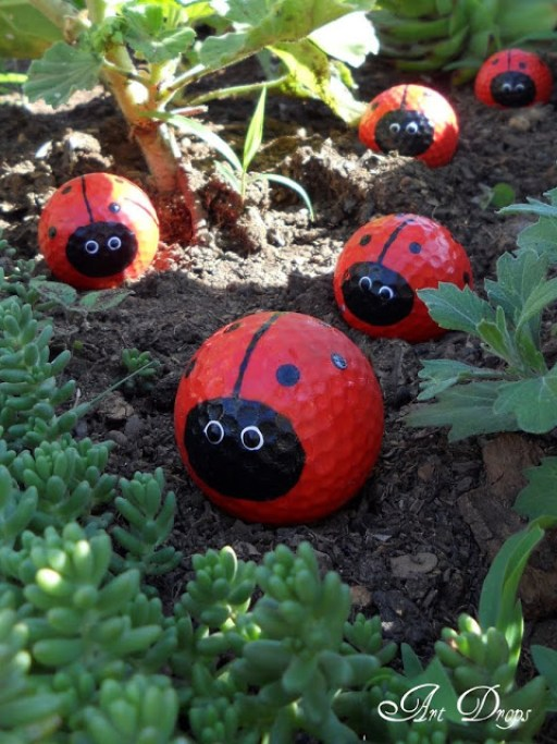 lady bug garden decor idea