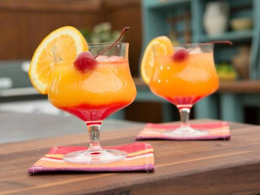 11 summer cocktails to spice up your summer kisses for for Cocktails made with tequila