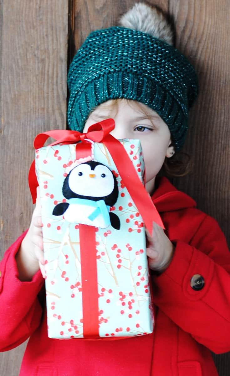 Ornament Gift Tag DIY Featuring The #CricutMaker #AD #CricutMade #CricutHoliday @Cricut #Christmas #gift #holiday #giving