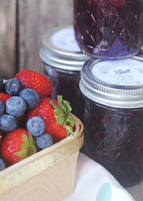 """As a teenager, I didn't get canning. It took a long time to realize that giving someone something you've canned is a powerful way to say """"I care about you"""". #ad #JamWithBall #YesYouCan"""