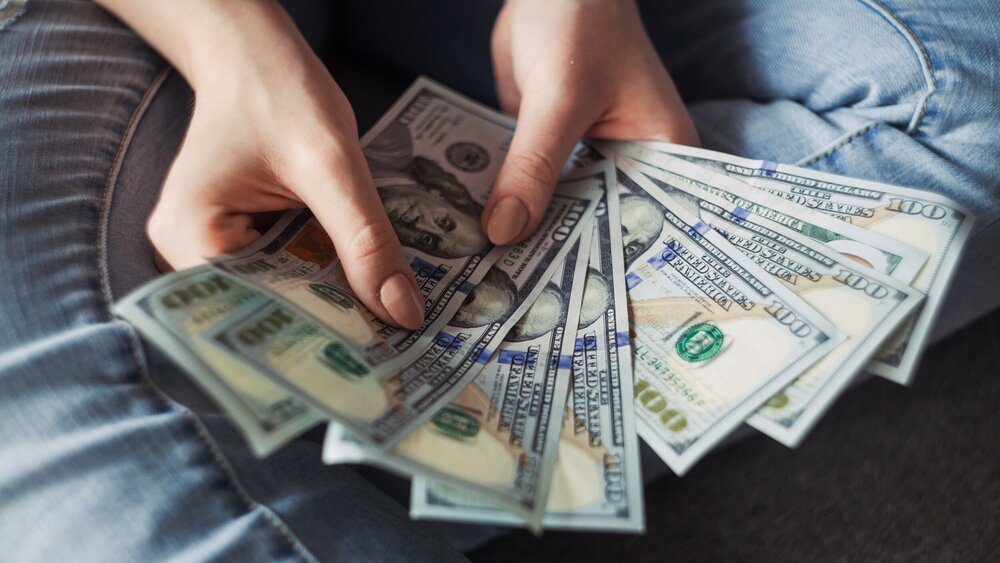 5 Ways To Use The Internet To Manifest Money TODAY