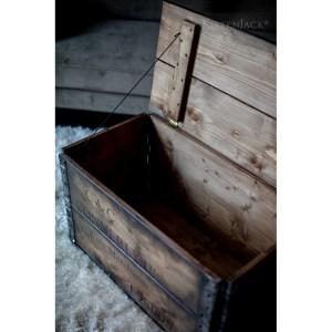 Kistenjack-holzkisten-vintage-truhe-moebel-design-couchtisch-052