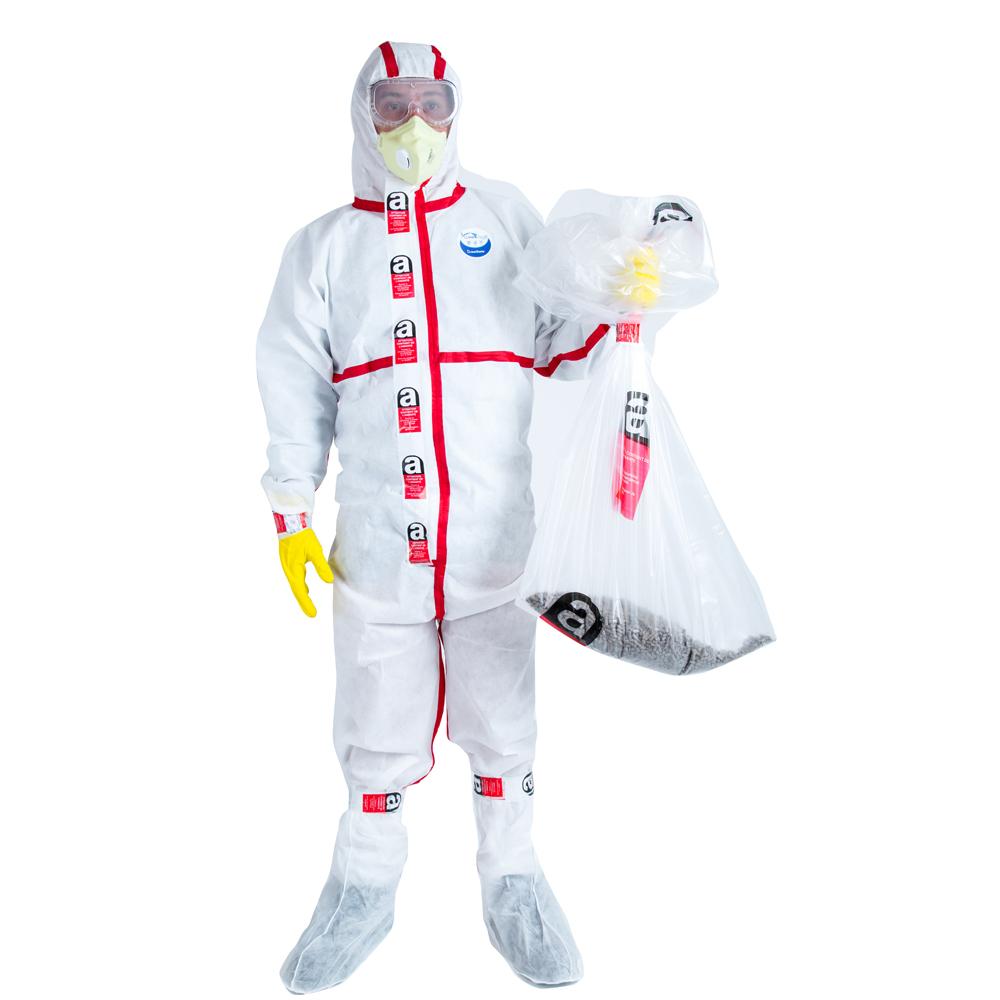 Médecin, virologue, scientifique portant une combinaison de protection contre les risques biologiques epi ou noisette,. Combinaison Amiante Lot De 700 Unites Kit Bag
