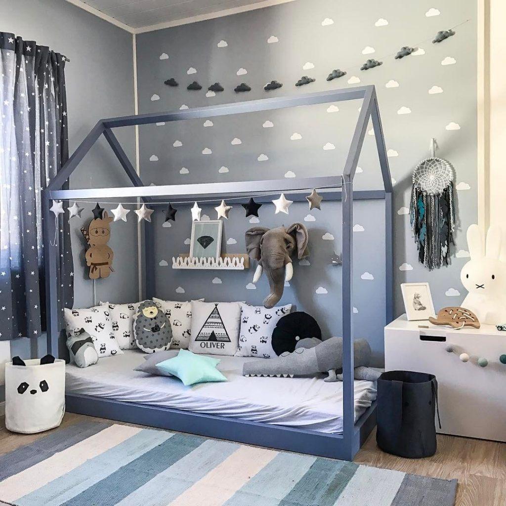 Cama casinha montessoriana  aposta ldica no quarto de beb