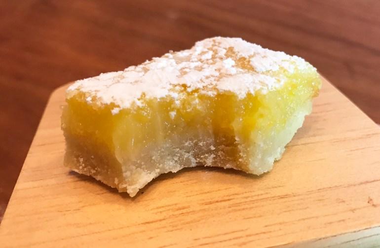 KitchAnnette Lemon Bars Bite