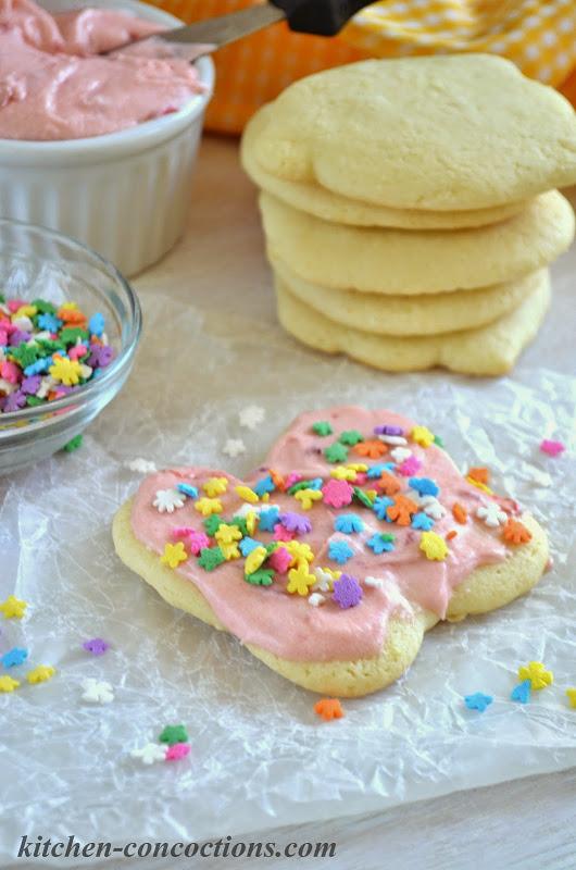 Soft Baked Strawberry Lemonade Cookies