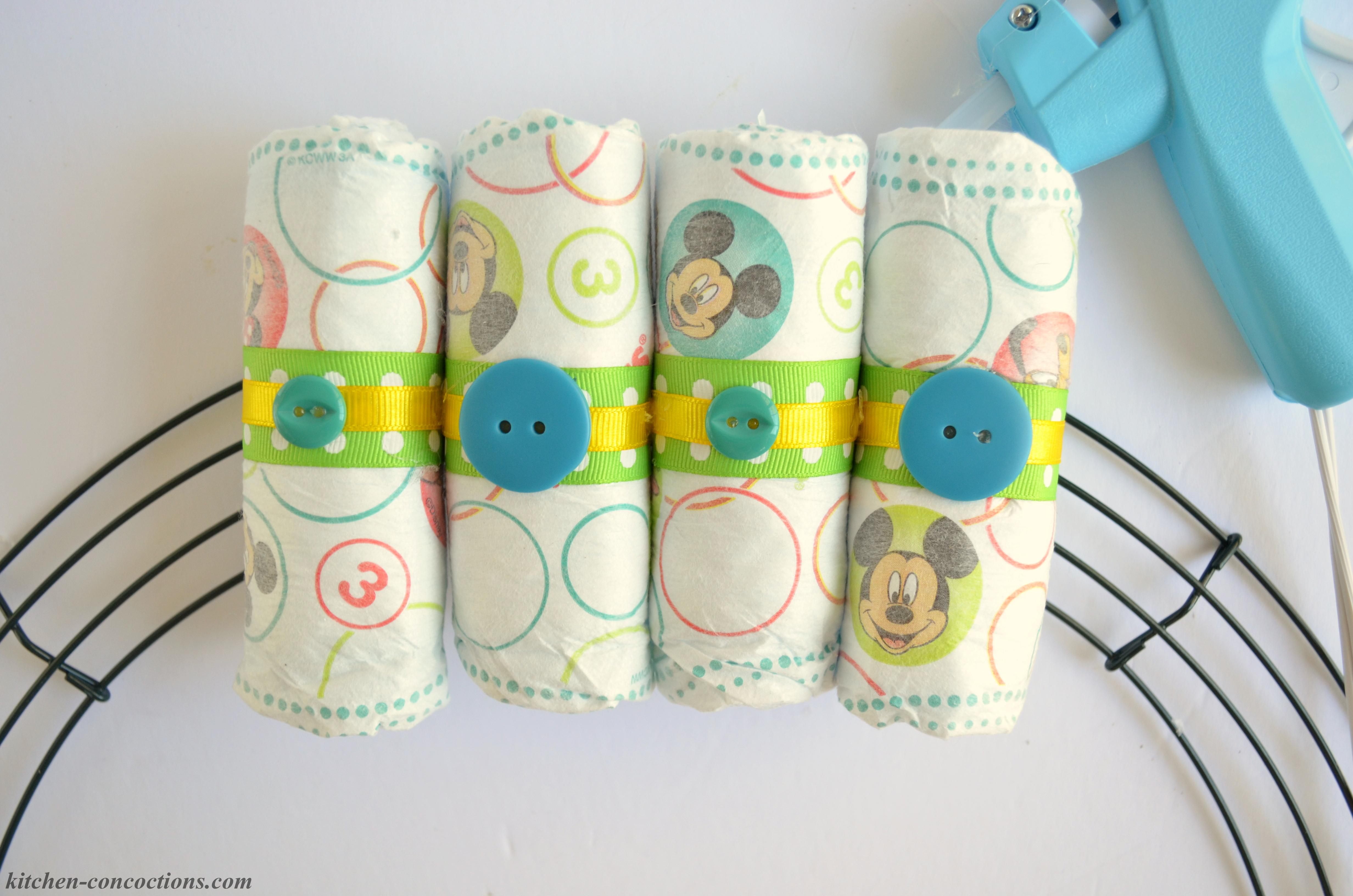 how to make a diaper wreath 12
