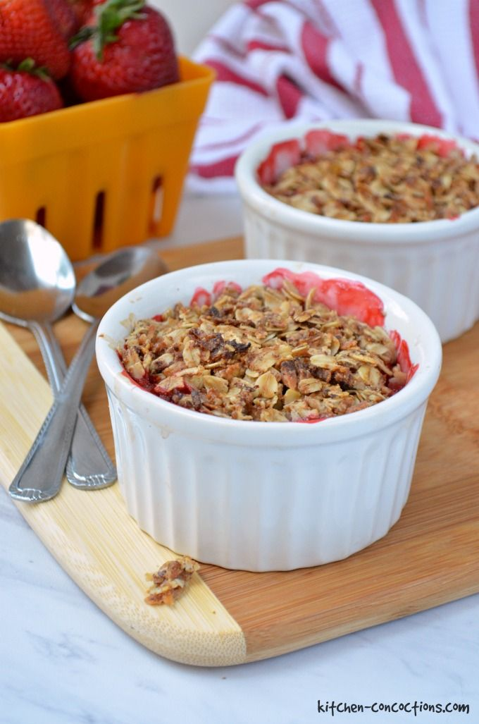 Breakfast Strawberry Rhubarb Crisp
