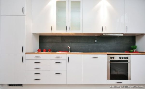 modern white kitchen cabinets Pictures of Kitchens – Style: Modern Kitchen Design – Color: White Kitchen Cabinets | smiuchin