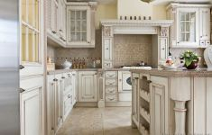 Exciting Antique Kitchen That Will Make You Feel Comfortable