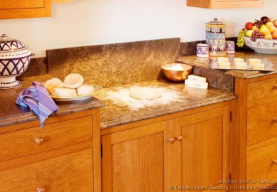 Kitchen Cabinets With Different Colored Crown Molding