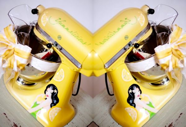 Yummalacious custom painted kitchen aid mixer