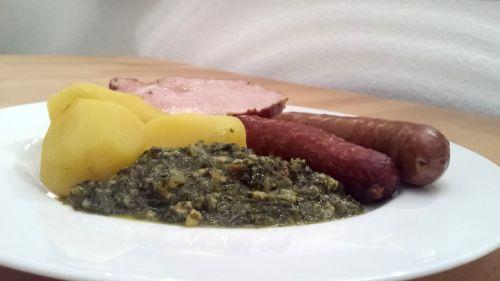 traditioneller Grünkohl mit Bremer Pinkel