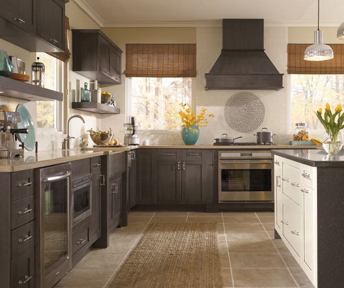 Shaker Style Cabinets Casual Kitchen Craft Cabinetry