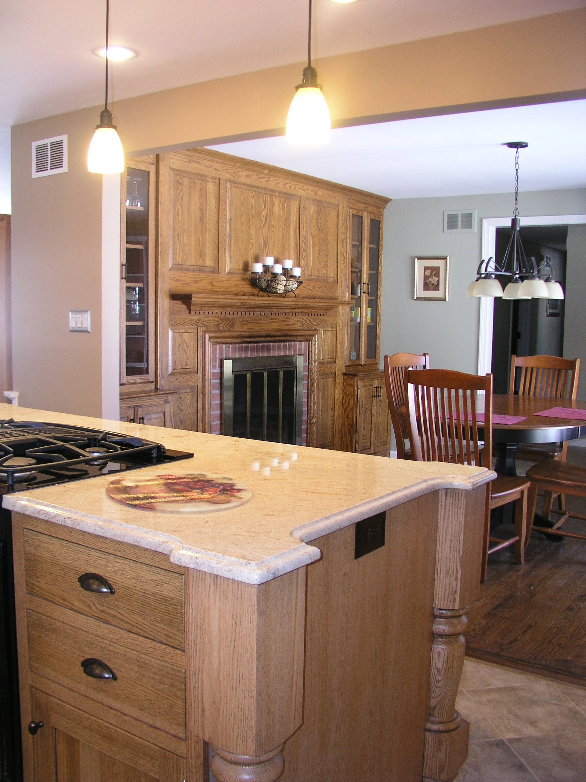 white shaker kitchen cabinets trash cans quarter sawn oak island | design center