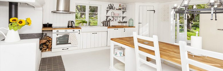 white cottage style kitchen