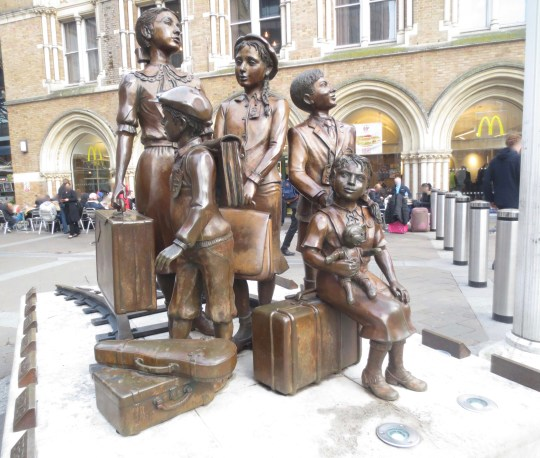 Richborough transit camp, Siegfried Metz, Kindertransport memorial, Liverpool Street station, London