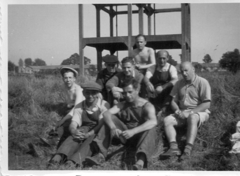 Kitchener camp, Schmuel Kamm, Water tower group photograph