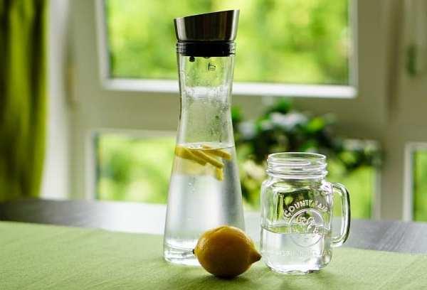 wasserkaraffe glas