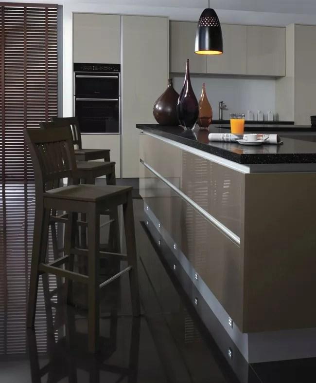 A Handleless kitchen or Handleless effect kitchen